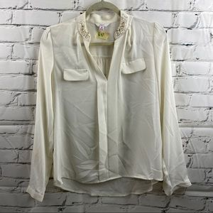 Candies silky whit blouse with pearl details